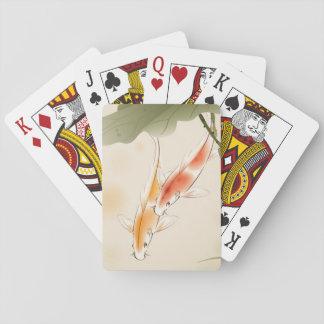 La carpa japonesa pesca la natación en la charca d cartas de póquer