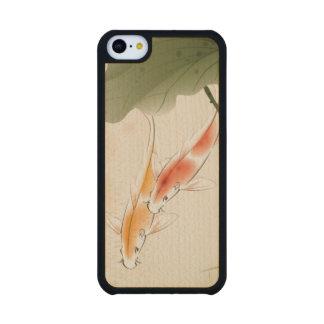 La carpa japonesa pesca la natación en la charca funda de iPhone 5C slim arce