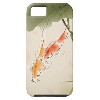 La carpa japonesa pesca la natación en la charca iPhone 5 fundas