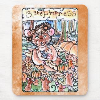 La carta de tarot de la emperatriz mouse pads
