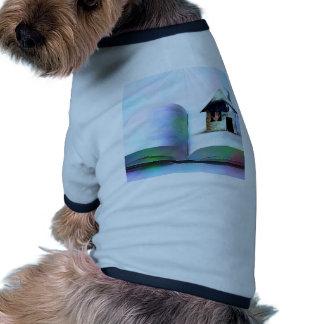 La casa con un ojo en libro abierto ropa de perro