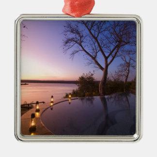 La casa de campo del club del río puesta del sol ornamento de navidad