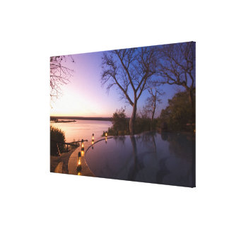 La casa de campo del club del río, puesta del sol  impresion de lienzo