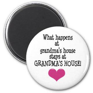 La casa de la abuela imán redondo 5 cm