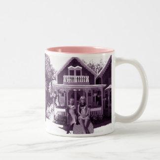 La casa de pan de jengibre taza dos tonos