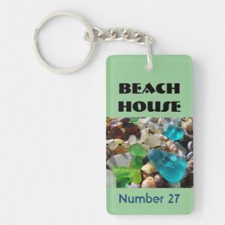 La casa de playa cierra hogares de vacaciones de llavero rectangular acrílico a una cara