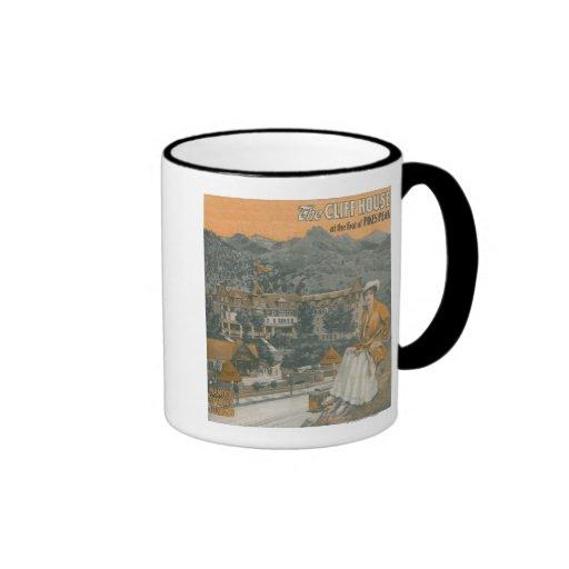 La casa del acantilado y el pico de los lucios tazas de café