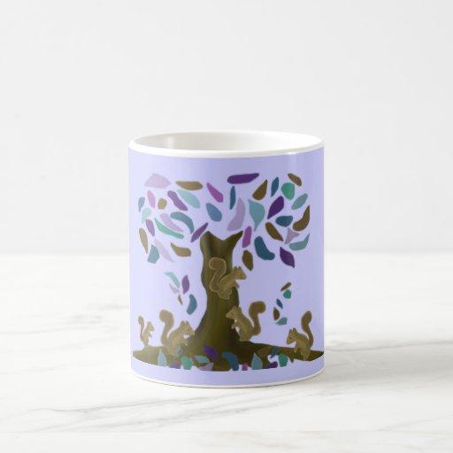 La casa del árbol de la ardilla taza