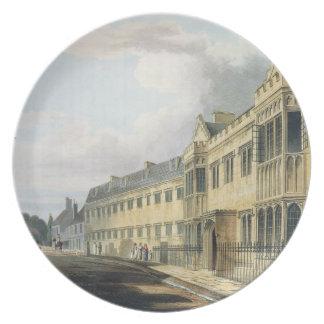 """La casa del primer amo, escuela de grada, de la """"h plato de cena"""