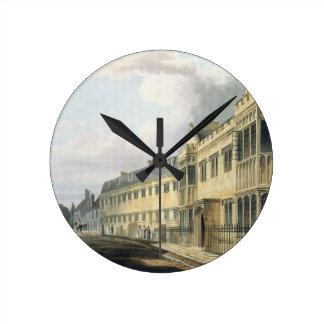 La casa del primer amo escuela de grada de la h relojes