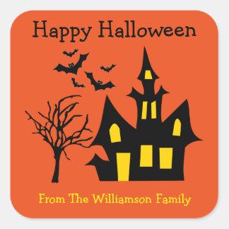 La casa encantada de Halloween golpea la etiqueta