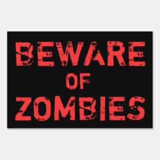 La casa encantada de Halloween se guarda de zombis Cartel