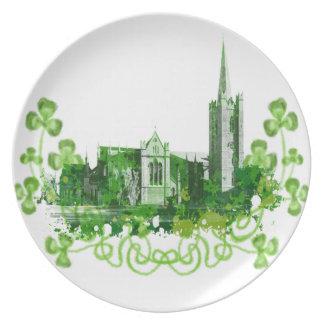 La catedral de San Patricio en Dublín Plato De Comida