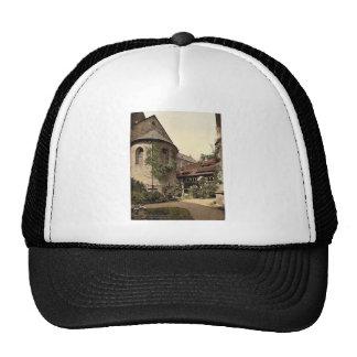 La catedral, el cementerio y 1.000 años subió el á gorras