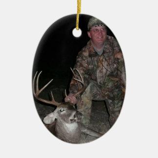 La caza de los ciervos de la colección del navidad adorno navideño ovalado de cerámica