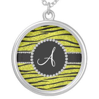 La cebra amarilla de neón del brillo del monograma grimpola personalizada