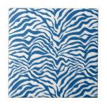 La cebra azul de la diversión raya el estampado de azulejo