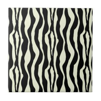 La cebra blanco y negro raya el modelo azulejo cuadrado pequeño