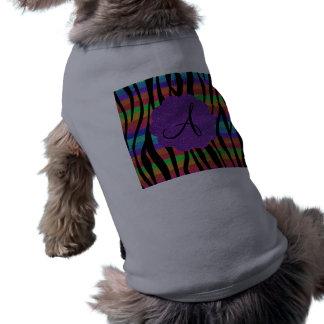 La cebra del arco iris del brillo raya monogramas playera sin mangas para perro