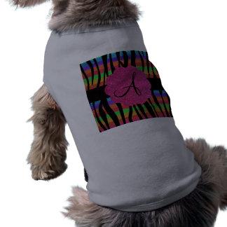 La cebra del arco iris raya el monograma playera sin mangas para perro
