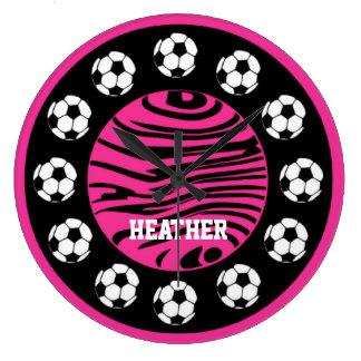 La cebra personalizada del rosa del fútbol raya el reloj redondo grande