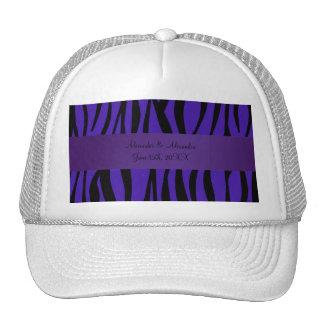 La cebra púrpura raya favores del boda gorras de camionero