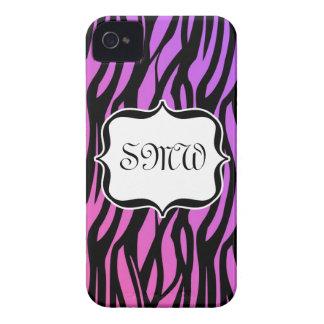 La cebra púrpura/rosada caliente raya el monograma Case-Mate iPhone 4 carcasas