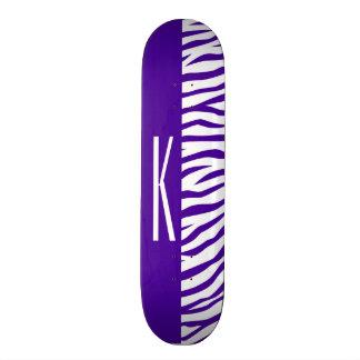 """La cebra púrpura y blanca violeta raya el patineta 7 3/8"""""""