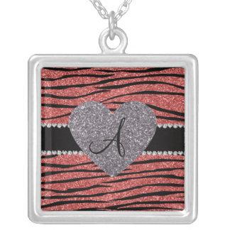 La cebra rosada coralina del brillo del monograma  grímpola