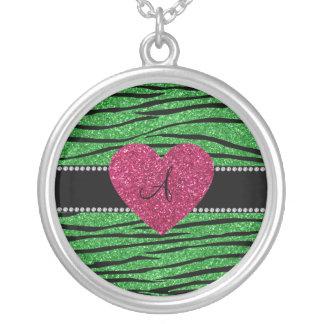 La cebra verde clara del brillo del monograma raya joyerías