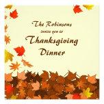 La cena colorida de la acción de gracias de las ho comunicados