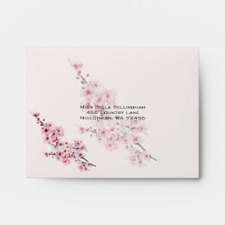 La cereza ramifica casando el sobre de RSVP