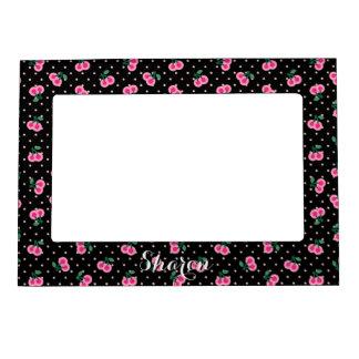 La cereza rosada negra femenina retra modela el marcos magneticos para fotos