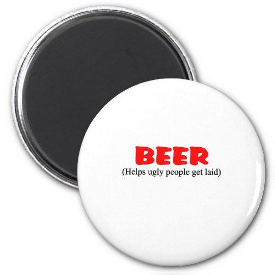 la cerveza ayuda a gente fea imán redondo 5 cm