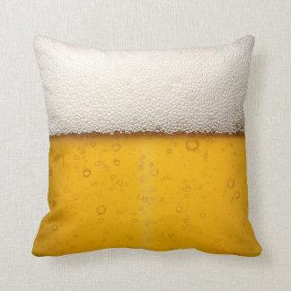 La cerveza burbujea primer cojín