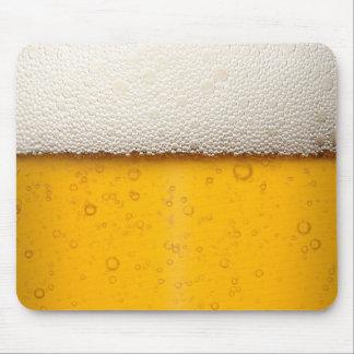 La cerveza burbujea primer alfombrillas de ratón