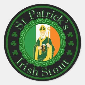 La cerveza de malta irlandesa de St Patrick Etiquetas Redondas