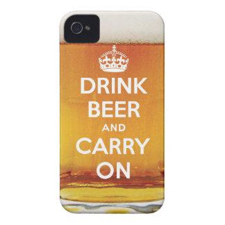 La cerveza divertida de la bebida y continúa Case-Mate iPhone 4 funda