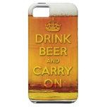 La cerveza divertida de la bebida y continúa iPhone 5 Case-Mate coberturas