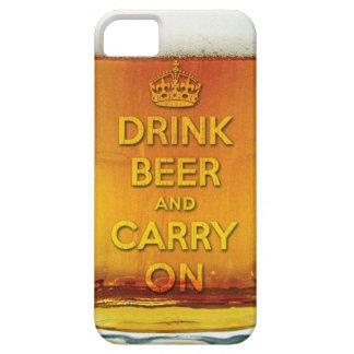 La cerveza divertida de la bebida y continúa iPhone 5 Case-Mate cárcasa