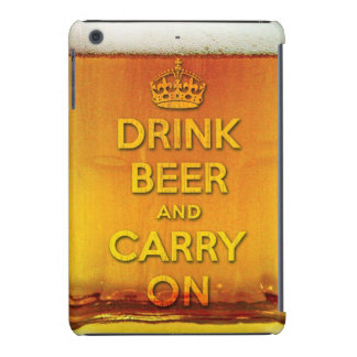 La cerveza divertida de la bebida y continúa funda de iPad mini