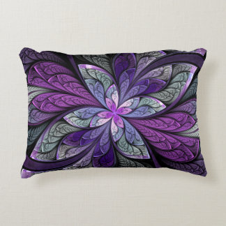 La Chanteuse Violett Accent Pillow