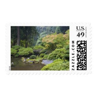 La charca que da un paseo con el puente de la luna timbres postales