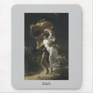 La choza 1880 de Pedro-Auguste de la tormenta Alfombrillas De Ratón