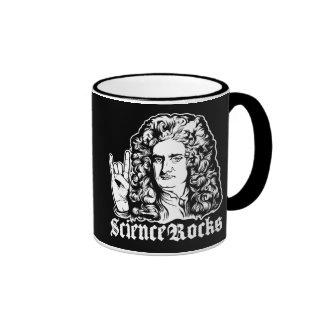 La ciencia de sir Isaac Newton oscila las tazas