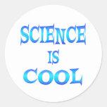 La ciencia es fresca etiqueta redonda