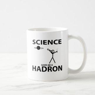 La ciencia me da una figura engranaje del palillo  taza