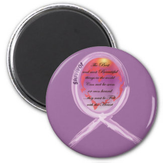 La cinta púrpura del superviviente rodea palabras  imán de frigorífico
