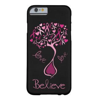 La cinta rosada de la conciencia cree y ama funda de iPhone 6 barely there