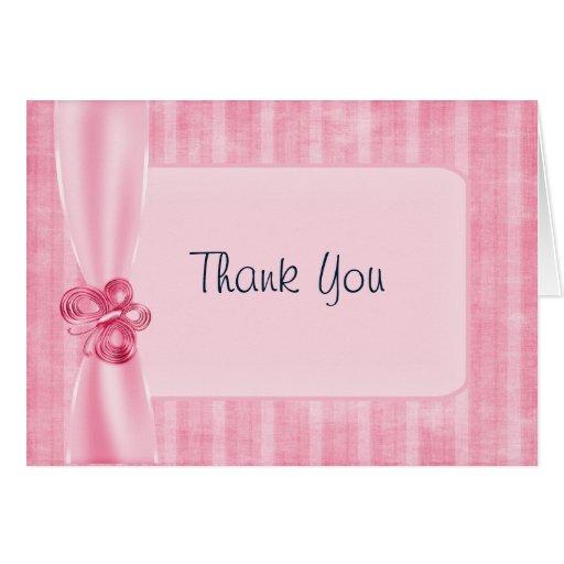 La cinta y la mariposa rosadas le agradecen observ tarjeta de felicitación